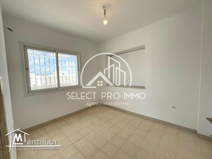 Etage de villa S+1 de 70m² à AFH² REF:408a