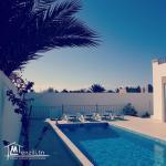 villa avec piscine L 237