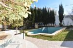 AV une belle villa avec piscine de bien située à Hammamet  (zone craxi )